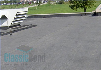 Roof with the Classicbond EPDM one piece diy rubber roofing membrane for flat roofs