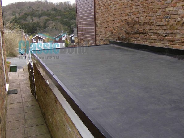 Roof with the Large roof with the Classicbond EPDM one piece diy rubber roofing membrane for flat roofs